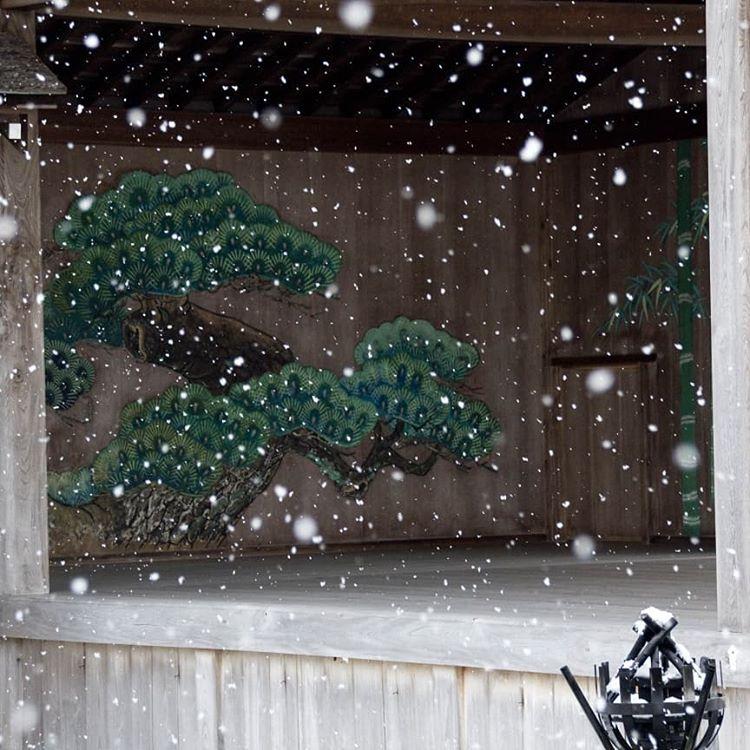 雪の能舞台