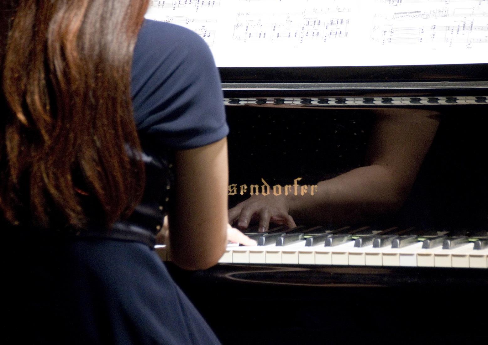 ピアノ酒井友芙未