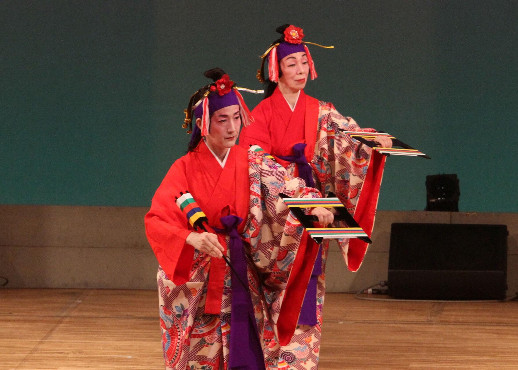 琉球舞踊 仲村智子・田川徳子(関西琉球舞踊研究所)